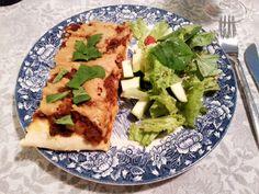 Perjantai-iltana pääsin vihdoin kokeilemaan pizzaa vegaanisella juustonkorvikkeella.