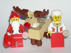 LEGO Santa Christmas Minifigure w/ Mrs. Claus and Rudolph The Red Nosed Reindeer #LEGO