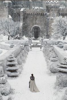 le silence des flocons 으 paysage neige hiver chateau romantic mystic gothic landscape snow winter castle schloss shnee Winter Szenen, I Love Winter, Winter Magic, Winter Is Coming, Winter Christmas, Winter Walk, Winter Formal, Winter's Tale, Snow Scenes