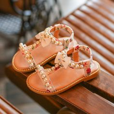 Victory! Check out my new Pretty Floral Bow and Pearl Decor Elastic Sandals for Toddler Girl and Girl, snagged at a crazy discounted price with the PatPat app.