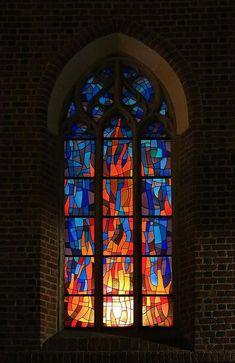 Glass art On Canvas - - - - - Glass art Videos Blown Stained Glass Church, Modern Stained Glass, Stained Glass Art, Stained Glass Windows, Broken Glass Art, Sea Glass Art, Mosaic Glass, Shattered Glass, Glass Art Design