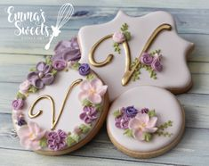 I'm a sucker for pastels and flowers. I absolutely love these floral cookies by Mary of - Vintage floral cookies 🌸💐💐 . Elegant Cookies, Fancy Cookies, Vintage Cookies, Iced Cookies, Royal Icing Cookies, Cupcake Cookies, Sugar Cookies, Purple Cookies, Monogram Cookies