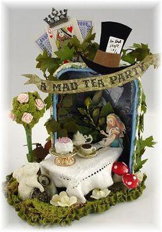 Alice's Tea Party- Altered Altoid Tin - http://trashtotreasureart.blogspot.de