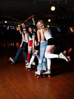 Retro 70's Roller Disco Conga Line                                                                                                                                                                                 Más