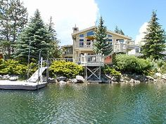 3750 Sq Ft Waterfront Home, Boat Dock, Hot Tub, Views, Wi-Fi