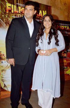 Vidya Balan and Siddharth Roy Kapur at the special screening of Filmistaan. Churidar Suits, Salwar Kameez, Kurti, Bollywood Celebrities, Bollywood Fashion, Bollywood Actress, Amrita Puri, Outside Movie, National Film Awards