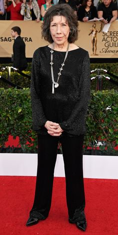 See All the Celebrity Looks from the 2017 SAG Awards Red Carpet - Lily Tomlin from InStyle.com