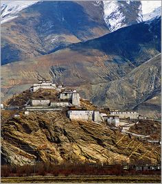 Gyantse - Pachu Monastery, Tibet* Arielle Gabriel writes about miracles and travel in The Goddess of Mercy & The Dept of Miracles also free China toys and paper dolls at The China Adventures of Arielle Gabriel *