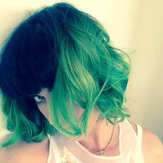 """Katy Perry's new style. Cut and styled by my sweet junior high friend, Brant Mayfield. I want this wave and cut! April 8, 2014 - """"Slime green for summer! @Katy Perry #haircolor by @Christina Long #hairbybrantmayfield @chrismcmillansalon @Solo Artists""""  #LaModeMama"""