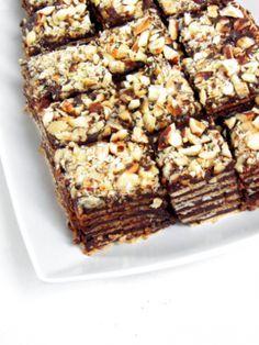 Pischinger szelet - sütés nélkül - Kifőztük, online gasztromagazin Hungarian Recipes, Tiramisu, Food And Drink, Sweets, Chocolate, Drinks, Cake, Snacks, Cooking