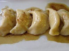 These pierogis make a great addition to any main dish or can be the main vegetarian dish. Everyone will appreciate the homemade treat. Ravioli, Polish Recipes, Polish Food, Ukrainian Recipes, Ukrainian Food, Cooking Tips, Cooking Recipes, Pasta, Tasty Kitchen