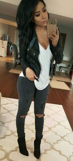 25 Sexy Mode-Ideen im Trend - Tägliche Mode-Outfits, Source by trends 2016 outfit Black Women Fashion, Look Fashion, Daily Fashion, Womens Fashion, Fashion 2016, Everyday Fashion, Fashion Clothes, Feminine Fashion, Sexy Fall Fashion