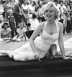June 26th 1953: Marilyn at Grauman's Chinese Theatre.