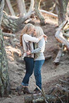 Lesbian engagement session on San Francisco beach / Equally Wed, the world's leading LGBTQ wedding resource / Photo: Sweet Marie Photography / rustic / nature / outdoors