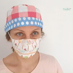 If you're looking for ways to help the medical community, this scrub cap pattern is a great project to sew! Together with a fun face mask and a headband with buttons this scrub cap would make a thoughtful gift set for the medical staff! Scrub Hat Patterns, Hat Patterns To Sew, Sewing Patterns Free, Hat Pattern Sewing, Scrubs Pattern, Free Pattern, Diy Mask, Diy Face Mask, Face Masks