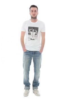 DOLCE & GABBANA - www.assuntasimeone.com  T-SHIRT UOMO DOLCE&GABBANA  100% cotone  spedizione gratuita assicurazione gratuita reso gratuito  CLICCA SUL LINK PER ACQUISTARE IL PRODOTTO: http://www.assuntasimeone.com/it/shop/saldi-abbigliamento/2122/t-shirt-uomo-dolce&gabbana.html