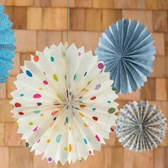 Make these fun paper medallions for your next gathering! More outdoor party ideas: http://www.bhg.com/party/birthday/themes/cheap-outdoor-party-ideas/?socsrc=bhgpin070713medallions=2