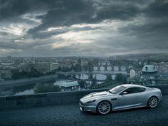 Klasika - Aston Martin DBS v Praze, no není nádherný :-D