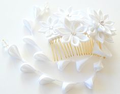 Kanzashi Fabric Flower hair comb with falls. by JuLVa on Etsy