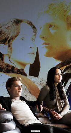 Peeta and Katniss: Character development Katniss Y Peeta, Katniss Everdeen, Mockingjay, Hunger Games Humor, Hunger Games Catching Fire, Hunger Games Trilogy, I Volunteer As Tribute, Movies Showing, Character Development