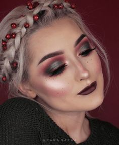 41 Christmas Makeup Ideas 2017 > CherryCherryBeauty.com