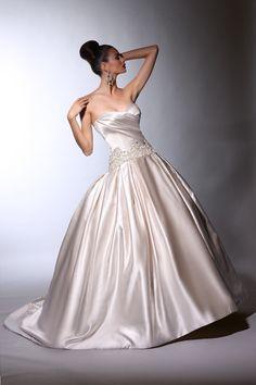 Victor Harper - Designer Bridal Gown - Style VH141