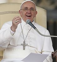 Pope asks prisoners to pray that Christ make him a better servant