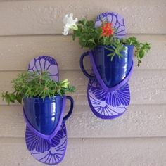 Flip Flop Plant Sconces    http://dollarstorecrafts.com/2012/05/make-flip-flop-plant-sconces/
