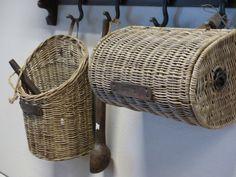 Rieten mandjes of houten lepel een prachtige opvulling voor aan de kapstok.