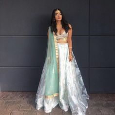 Im going to high school in September Any tips or something that I should know? Indian Wedding Outfits, Pakistani Outfits, Indian Outfits, Mode Bollywood, Bollywood Fashion, Bollywood Style, Indian Attire, Indian Wear, Indian Style