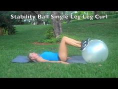Lose Inches In Your Thighs Workout with this quick workout using just a pair of dumbbells and a ball. Great fat burning workout to lose fat in the thighs and glutes. Losing Weight Tips, Reduce Weight, Easy Weight Loss, Healthy Weight Loss, How To Lose Weight Fast, Lose Fat Workout, Mommy Workout, Fat Burning Workout, Lose Inches