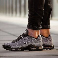 release date: 8c9ff c502e Nike Air Max Plus, Nike Max, Nike Free Shoes, Nike Shoes, Foot