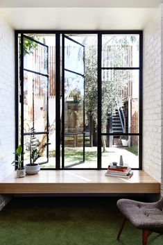Beautiful architecture and minimalist design Home Interior Design, Interior Architecture, Interior And Exterior, Interior Decorating, Beautiful Architecture, Bay Window, Room Window, Open Window, Windows And Doors