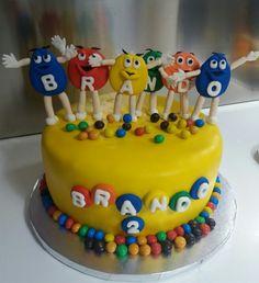 Una mia realizzazione torta smarties