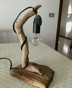 This excellent lamp living room is the most inspiring and awesome idea Driftwood Lamp, Driftwood Projects, Rustic Lamps, Wood Lamps, Home Decor Furniture, Diy Home Decor, Diy Luminaire, Reclaimed Wood Art, Table Lamps For Bedroom