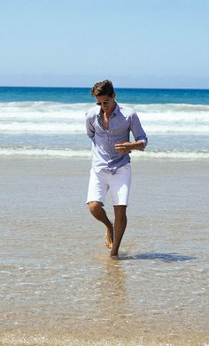 A casual and stylish beach get up for men