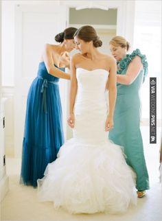 Vera Wang wedding gown | CHECK OUT MORE IDEAS AT WEDDINGPINS.NET | #bridesmaids