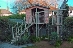 Tree House Plans, Warm Bedroom, Tree House Designs, Sound Of Rain, Unique Settings, Construction Services, Playhouses, Treehouses, Small Gardens