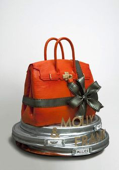 Master baker, Ron Ben-Israel is being called the 'Manolo Blahnik of wedding cakes' for balancing beautiful designs with delicious flavours. Camo Wedding, Luggage Cake, Handbag Cakes, Purse Cakes, Shoe Cakes, Ron Ben Israel, Cake Toppers, Fashion Cakes, Novelty Cakes