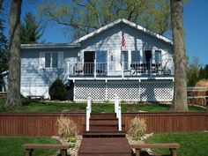 Koontz Lake Vacation Rental - VRBO 418598 - 3 BR IN House, Charming Lakefront Home. All Sports Lake/3bdr Home.