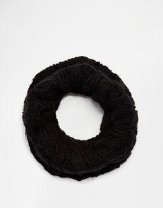 Écharpe-tube par Selected Maille épaisse torsadée Style écharpe-tube Lavage en machine 100% acrylique