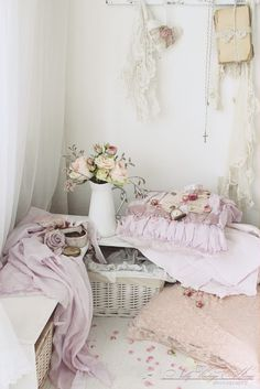 nelly vintage home: Пастелни рози
