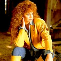 Yes, it's totally 80s from roots to tips, but I <3 her hair like this & we all know this mop on my head will actually do that if I can keep the damn scissors away from it.