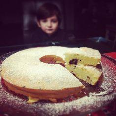 """""""Mi piace"""": 18, commenti: 1 - Dana Draghici (@dandanaglutenfree) su Instagram: """"Vanilla cake with plum & cocoa nibs  #vanillacake #glutenvrij #glutenfree #lactosevrij #lactosefree…"""""""