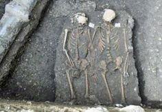 """اكتشاف رومنسي ... العثور على جثتي """"روميو وجولييت"""""""