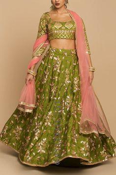 Olive Embroidered Lehenga with Pink Indian Wedding Outfits, Bridal Outfits, Indian Outfits, Lehenga Choli Wedding, Party Wear Lehenga, Sari Blouse Designs, Lehenga Designs, Simple Pakistani Dresses, Indian Dresses