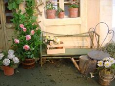 A small little corner of the courtyard from fleurs.kazeo.co Rosier