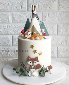 Another woodland cake but this time just the foxy fox 🐺 under her little teepee. Our client really loved our previous woodland cake design but as always we like to make each creation different so every cake is unique and special 🍂🌿🍃🍄 Gateau Baby Shower, Baby Shower Cakes, Fondant Cakes, Cupcake Cakes, 3d Cakes, Cake Cookies, Fox Cake, Woodland Cake, Woodland Forest