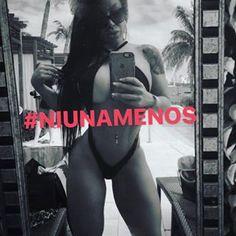 #Niunamenos Y si!!! Si quiero andar en pelotas, ANDO!! Cuál es tú problema?! És mi vida, es mi cuerpo y yo decido qué hacer y que no hacer con el.... - The Bruna Twins® (@dannitabruna)
