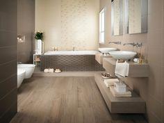 Badezimmer In Braun Und Beige Und Freistehende Badewanne ... Badezimmer Fliesen Taupe Beige